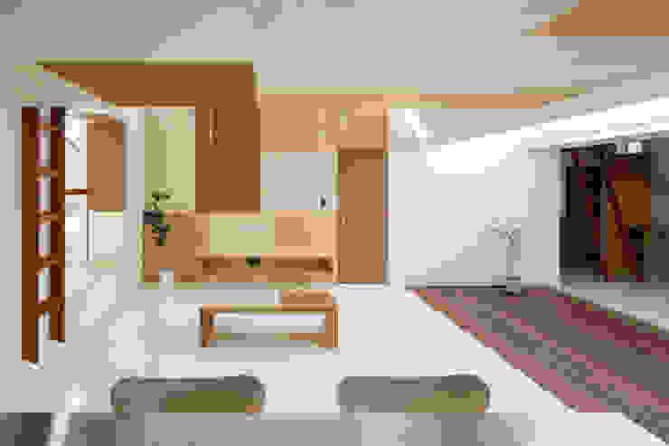 Idokoro Minimalistische woonkamers van ma-style architects Minimalistisch