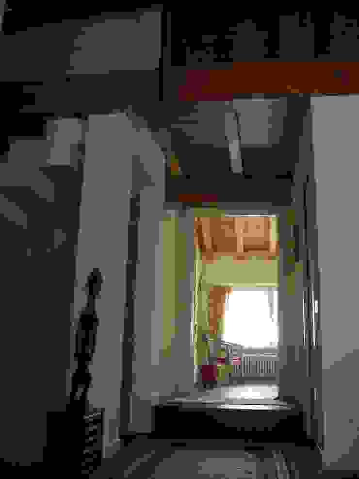 Studio in un fienile Studio in stile rurale di studio architetti milano como Rurale