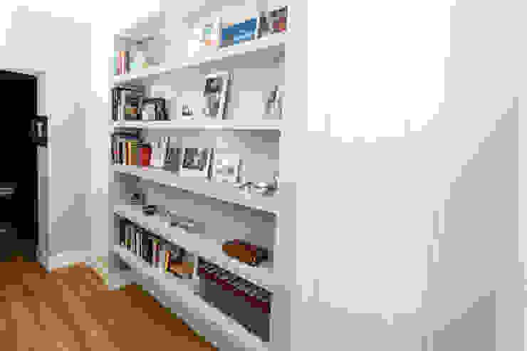 Casa R Case moderne di Geometrie Arredamenti Moderno