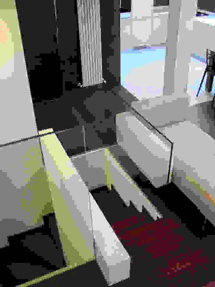 Casa Sabatini Soggiorno minimalista di matteo avaltroni Minimalista