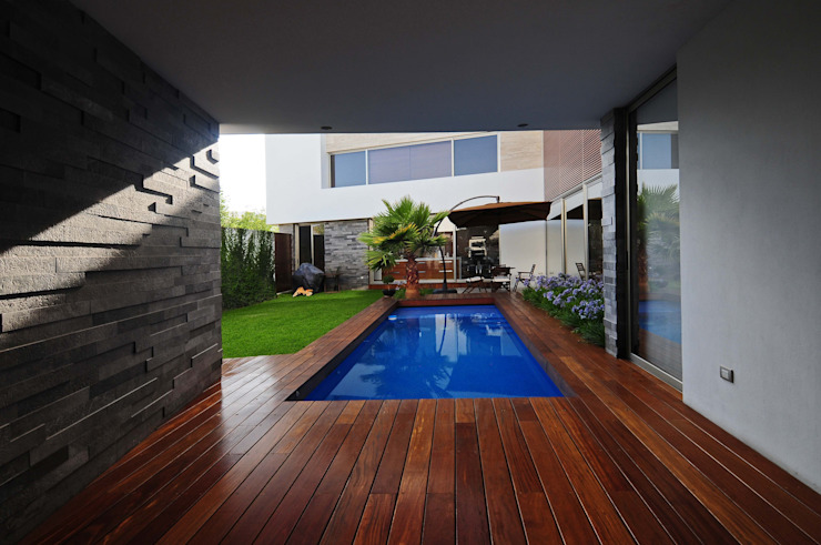 Pool by ze|arquitectura, Modern