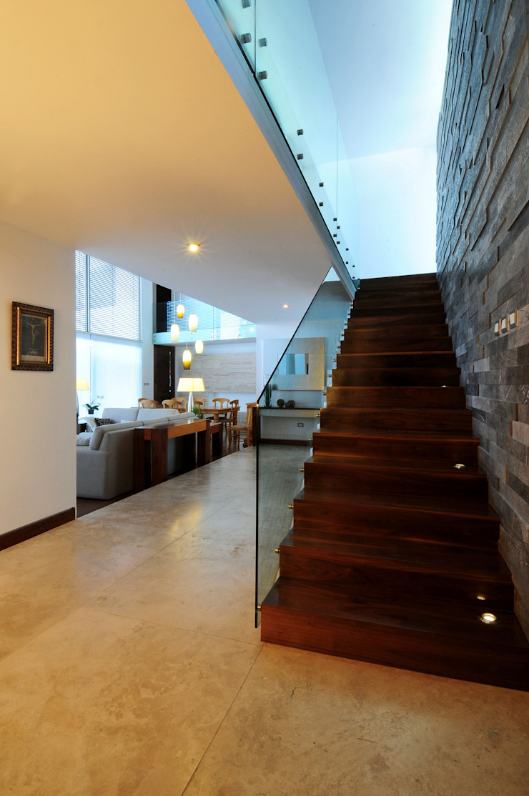 ze|arquitectura Modern Corridor, Hallway and Staircase