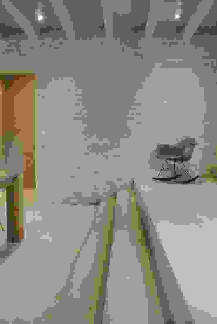 minimalist  by Entrata Libera 48, Minimalist
