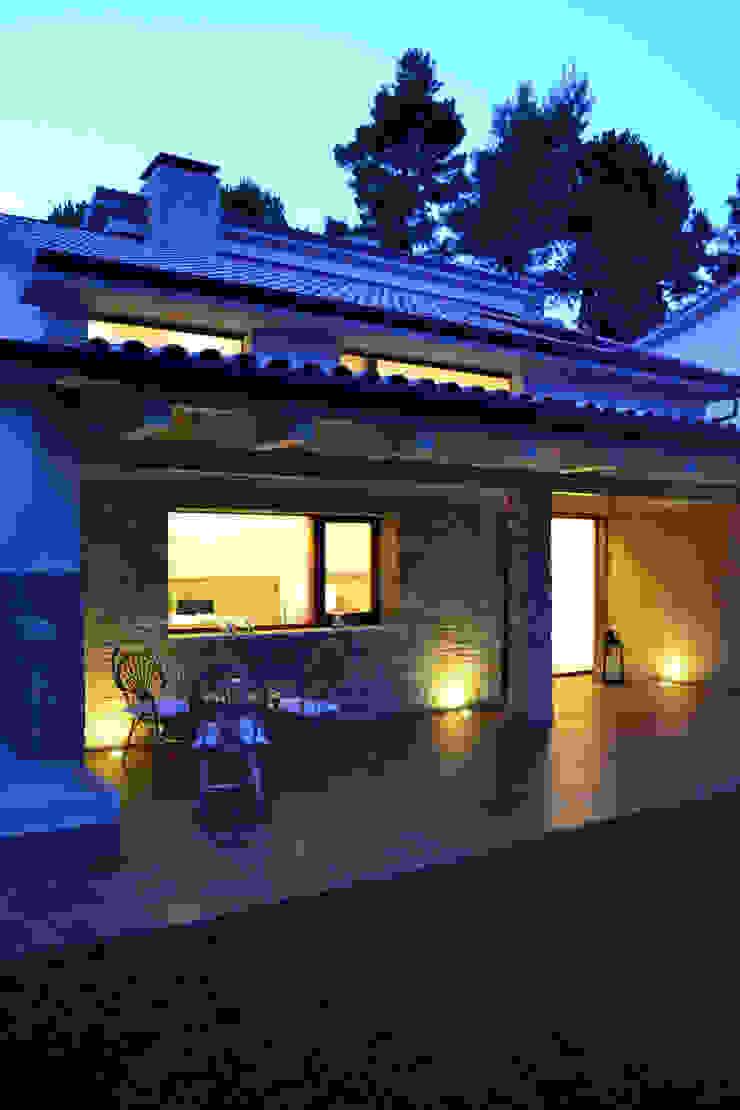 Casa Perlini Case moderne di matteo avaltroni Moderno