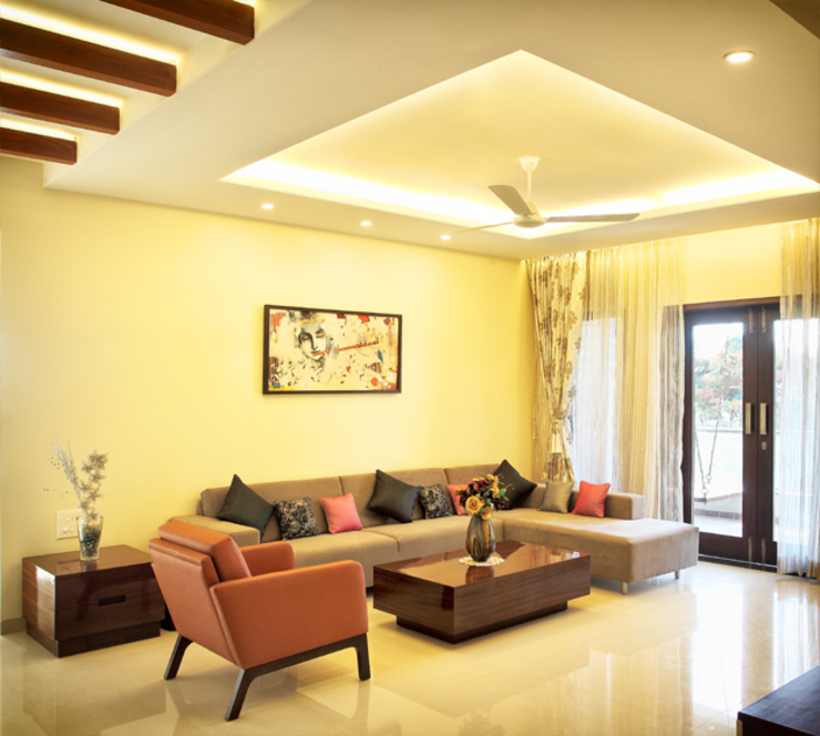 Patil Residence Modern houses by Design Ecovation Modern