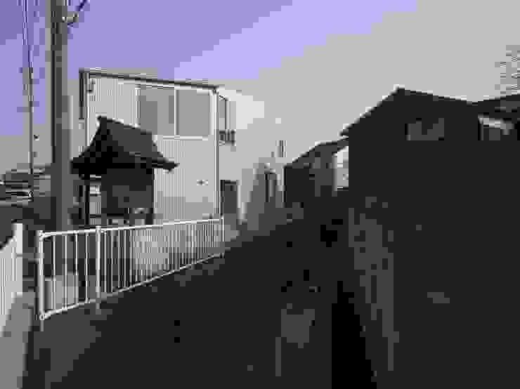 兵庫・S モダンな 壁&床 の 塔本研作建築設計事務所 モダン