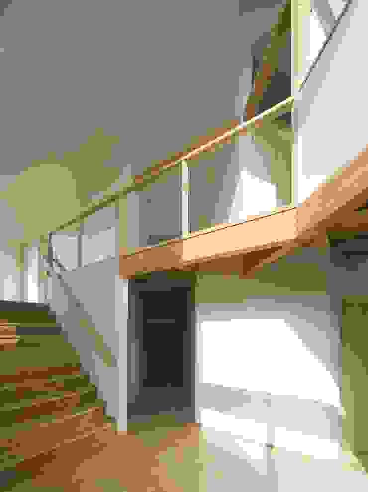 兵庫・S モダンデザインの ダイニング の 塔本研作建築設計事務所 モダン