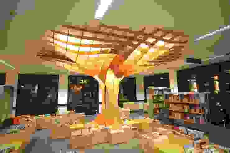 Baumstütze Stadtbibliothek Saarbrücken von rechts Ausgefallene Arbeitszimmer von form.bar Ausgefallen Holzwerkstoff Transparent