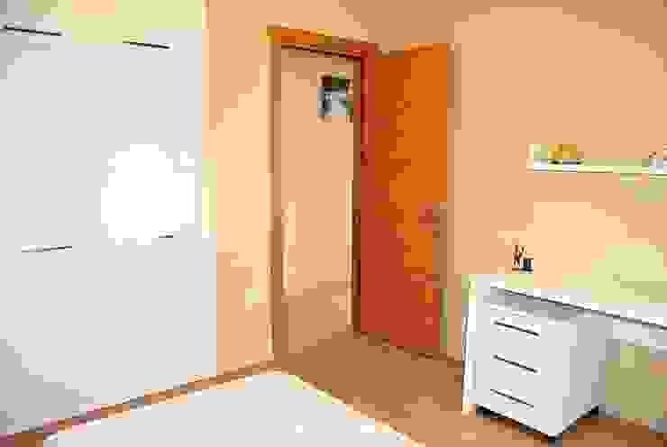Modern Bedroom by Estateinwest Modern