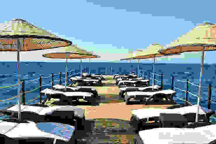 Azure Villaları 4 Odalı Müstakil Villalar Modern Balkon, Veranda & Teras Estateinwest Modern