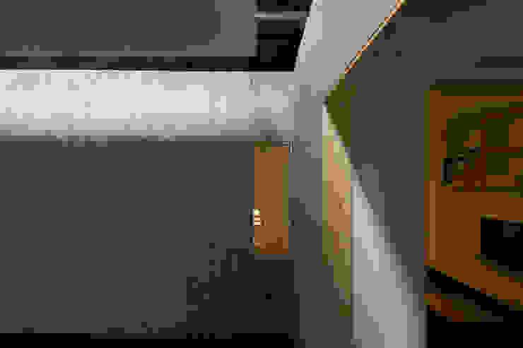 유진이네 집수리(YUJIN'S JIP-SOORI) 모던스타일 거실 by 무회건축연구소 모던