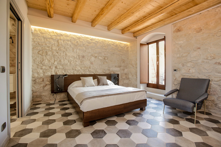 Casa Salina Camera da letto rurale di Viviana Pitrolo architetto Rurale