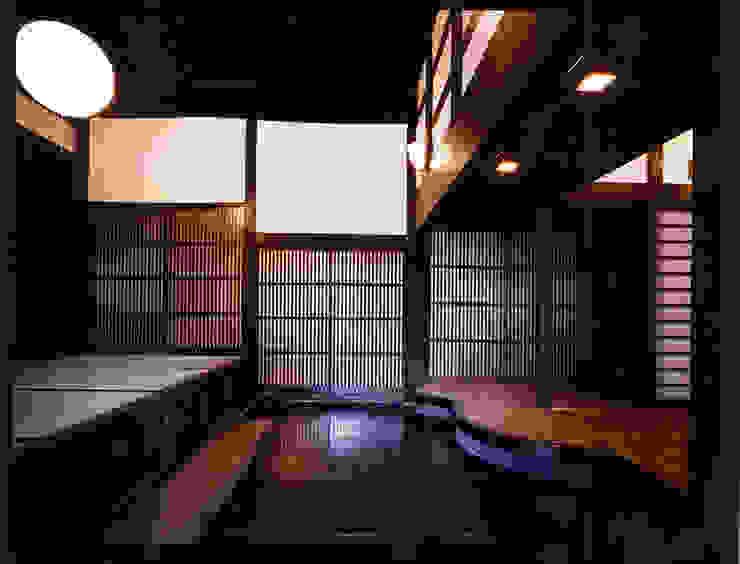 玄関1。: 小河原建築設計事務所が手掛けたクラシックです。,クラシック