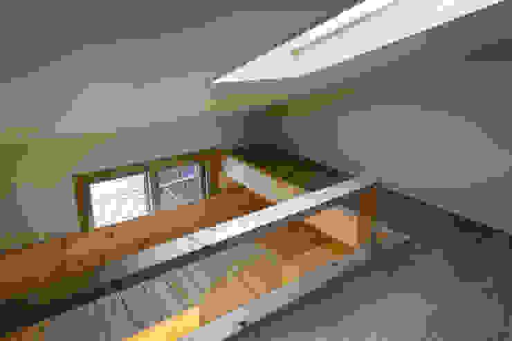 Modern Terrace by 무회건축연구소 Modern