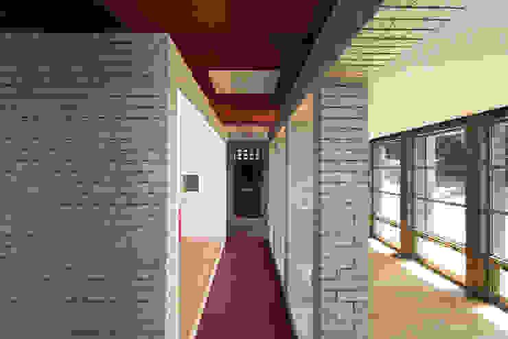 무회건축연구소 Modern walls & floors