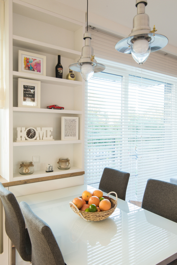 .nowoczesne kobiece mieszkanie w Warszawie Nowoczesna jadalnia od Art of home Nowoczesny