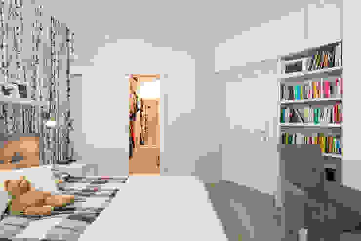 .nowoczesne kobiece mieszkanie w Warszawie Nowoczesna sypialnia od Art of home Nowoczesny