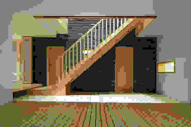 الممر الحديث، المدخل و الدرج من 무회건축연구소 حداثي