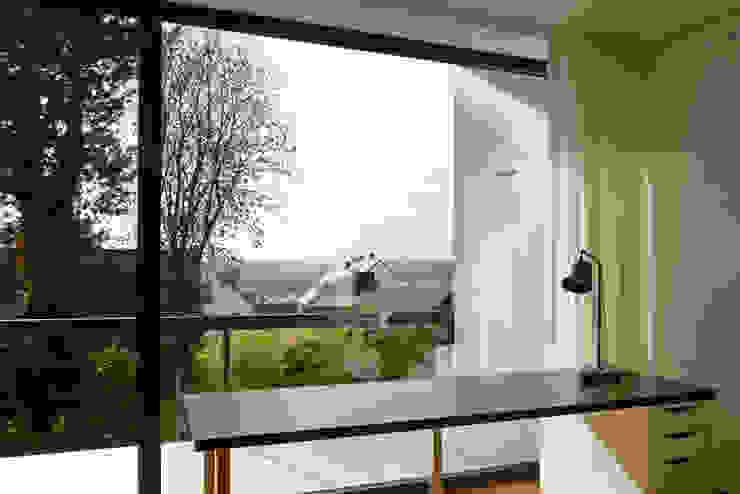 Modern balcony, veranda & terrace by Herzog-Architektur Modern