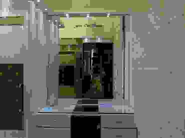Dresser Modern dressing room by Five One Interio Modern