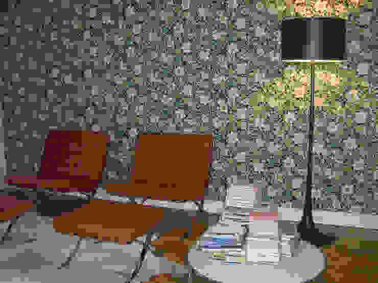 una casa vintage di archbcstudio Eclettico