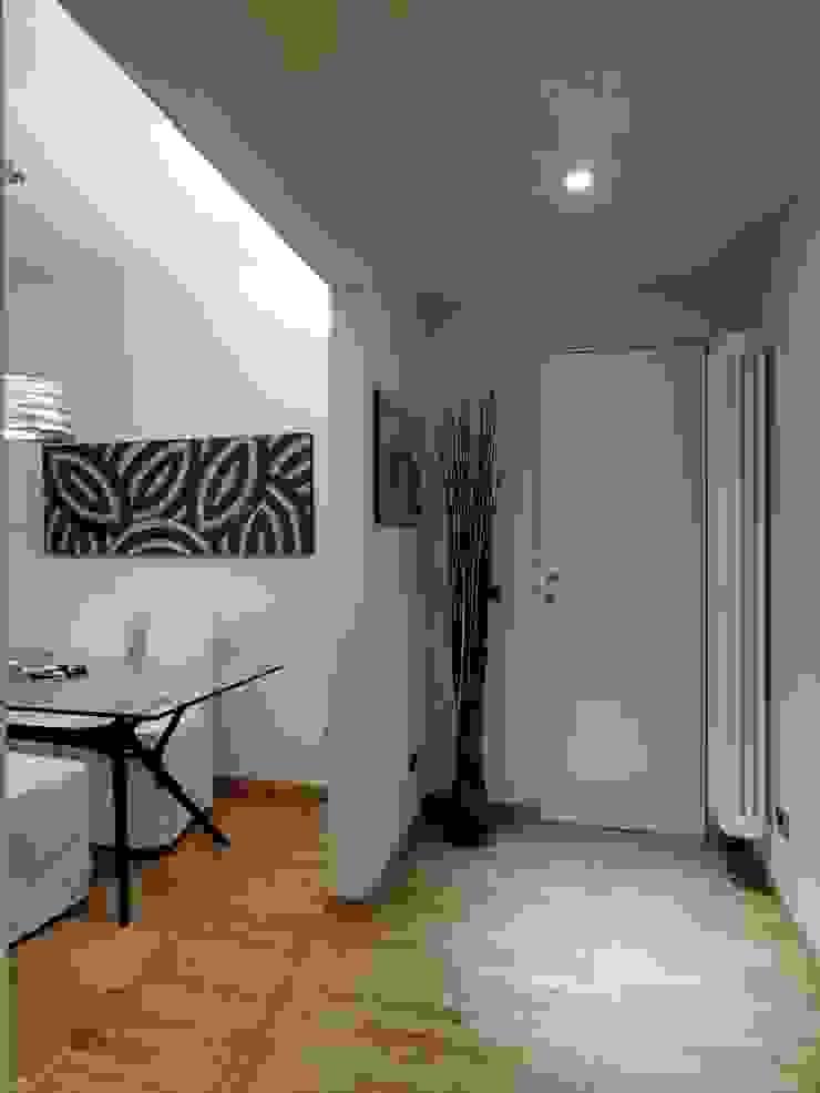 Mini Appartamento Case moderne di Studio Architettura e Design Giovanna Azzarello Moderno