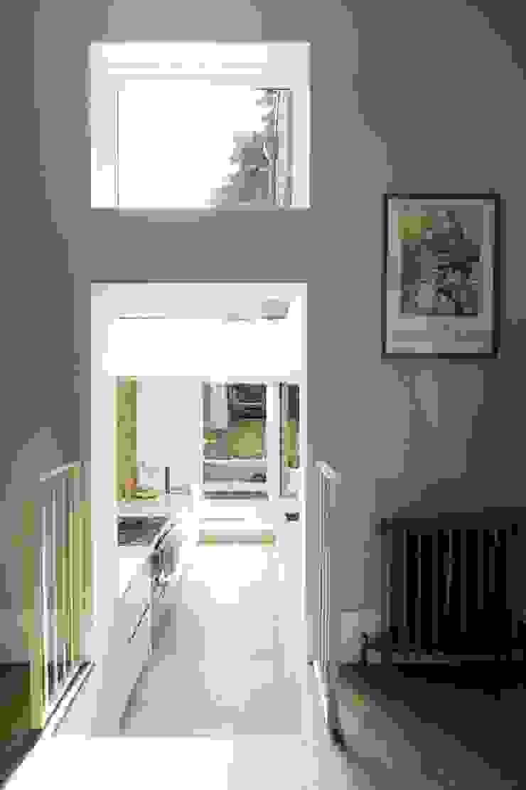 Huddleston Road Sam Tisdall Architects LLP Modern Corridor, Hallway and Staircase
