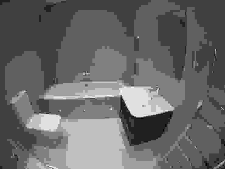 Klasyczna łazienka od homify Klasyczny