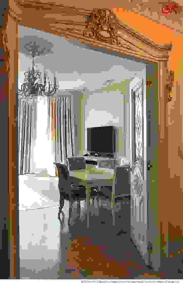 Изящная классика в интерьере 4-комнатных апартаментов Гостиная в классическом стиле от Дизайн студия Ольги Кондратовой Классический