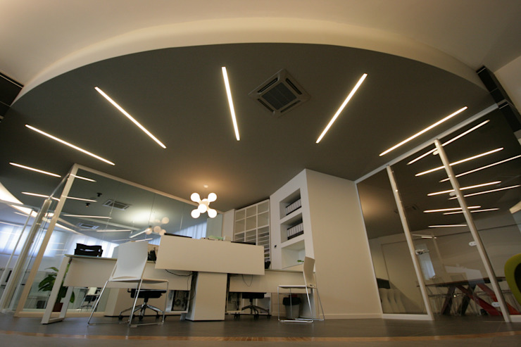 Ufficio Complesso d'uffici moderni di Luca Mancini   Architetto Moderno