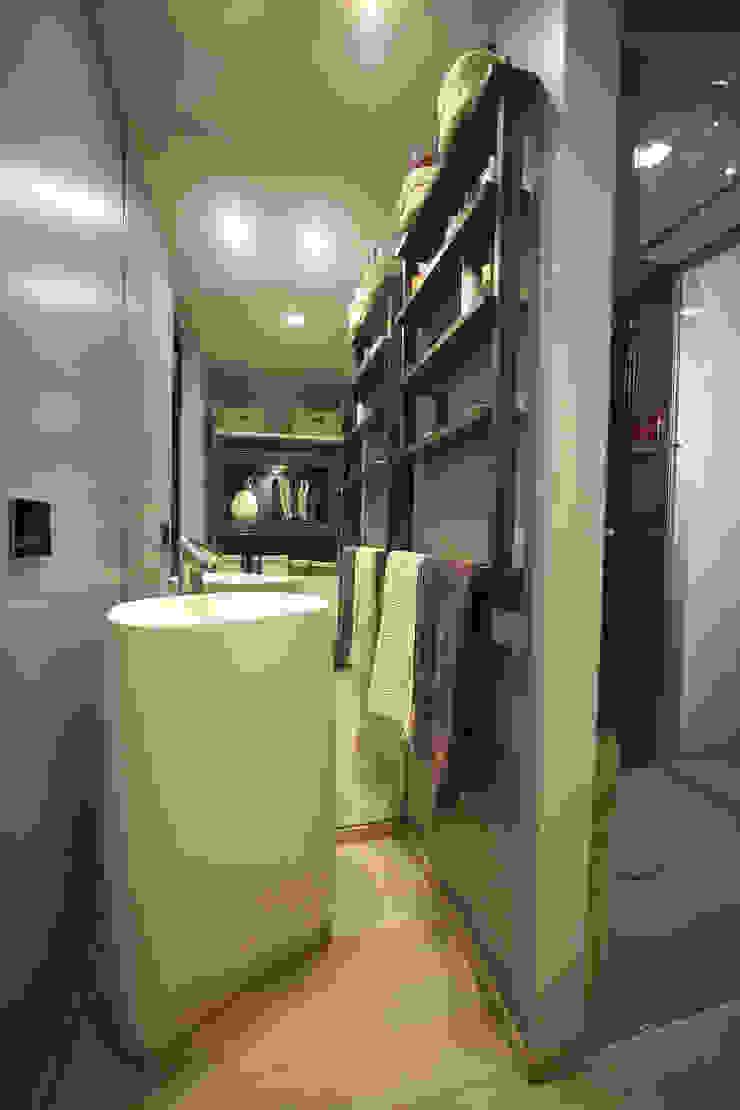 de pucci+saladino architects Moderno