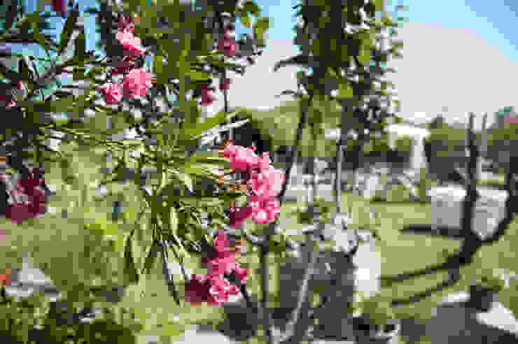 ARAL TATİLÇİFTLİĞİ Country style garden