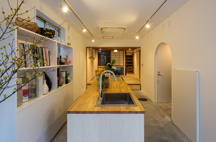 O-RENOVATION TOFU Modern houses