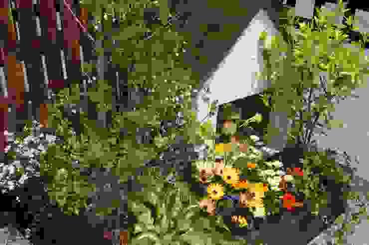 small garden 「散歩に行こう♪」 オリジナルな 庭 の Green Style Forest オリジナル