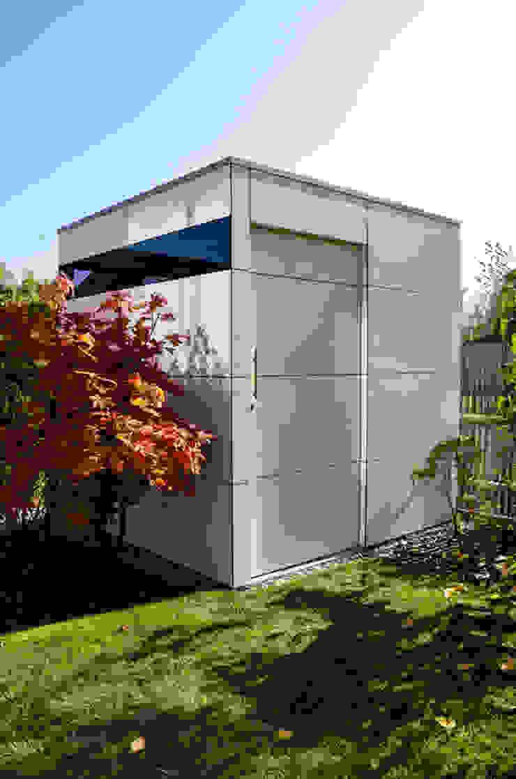 Design Gartenhaus @gart zwei Moderne Garagen & Schuppen von design@garten - Alfred Hart - Design Gartenhaus und Balkonschraenke aus Augsburg Modern Holz-Kunststoff-Verbund
