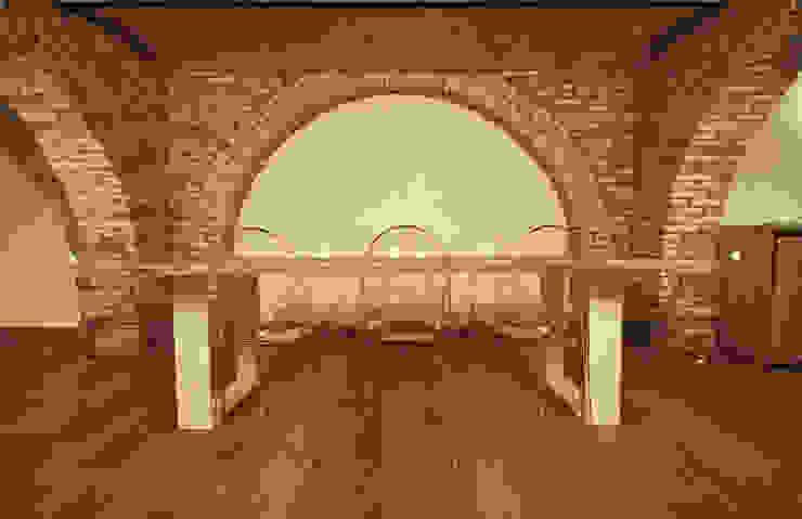 Casa in centro storico Sala da pranzo moderna di Luca Mancini | Architetto Moderno