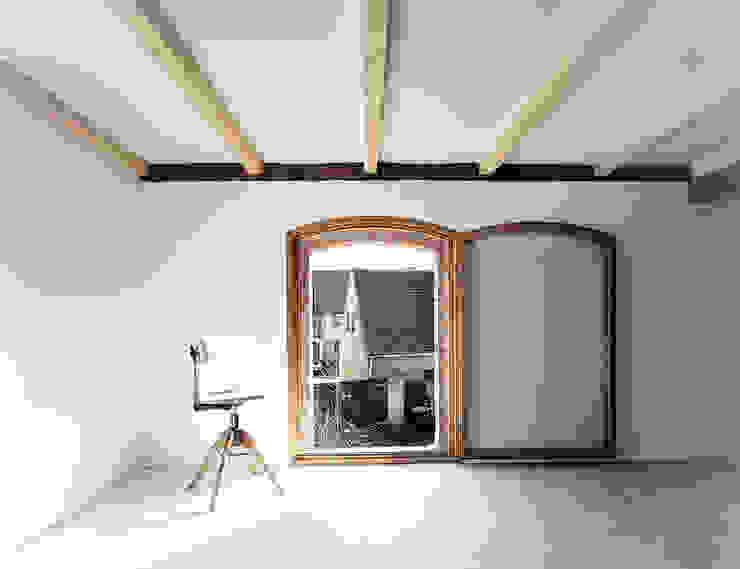 Windows  by JAN RÖSLER ARCHITEKTEN, Minimalist