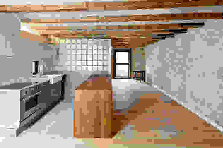 SALA Cocinas de estilo mediterráneo de Alex Gasca, architects. Mediterráneo