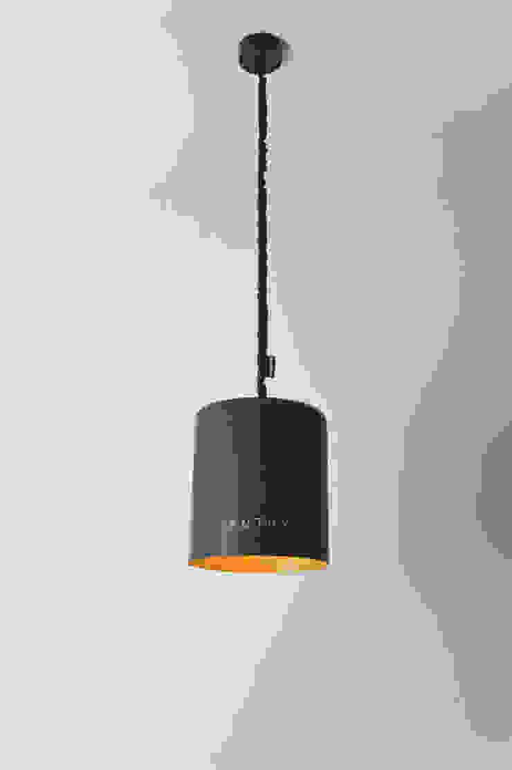 Bin lavagna di in-es.artdesign Moderno