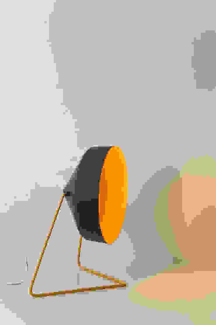 Cyrcus F lavagna di in-es.artdesign Moderno