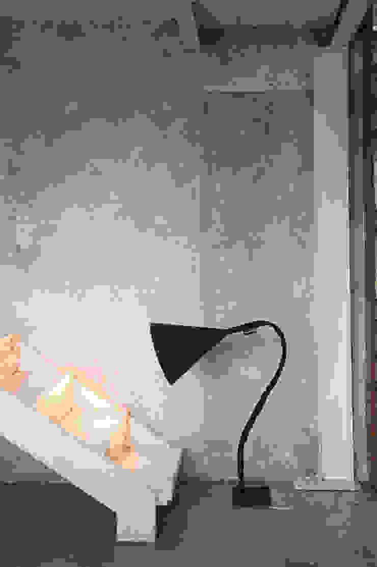 Flower lavagna di in-es.artdesign Moderno