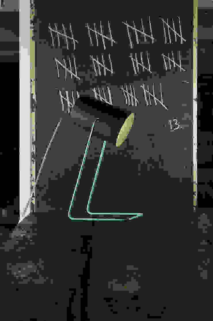 Paint T lavagna di in-es.artdesign Moderno