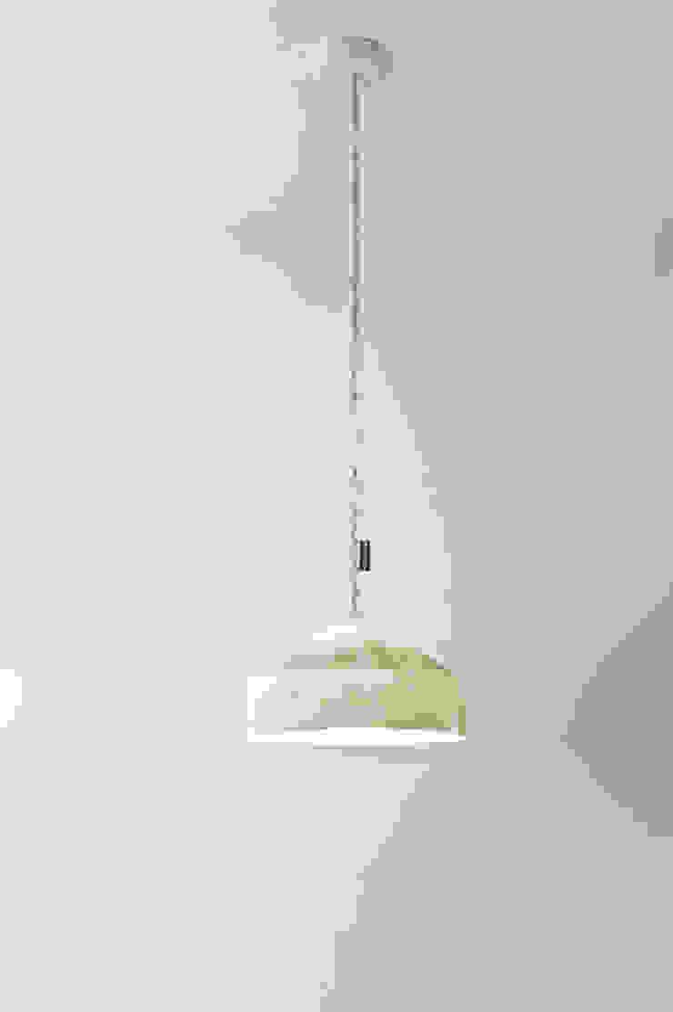 Cyrcus nebula di in-es.artdesign Moderno