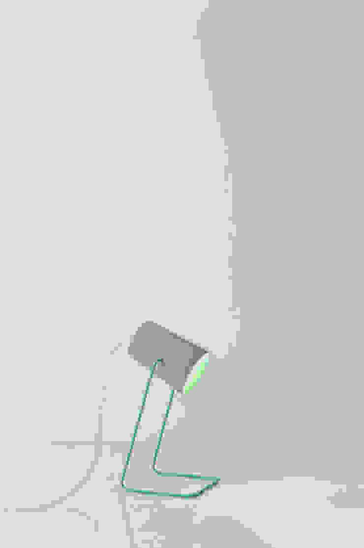 Paint T cemento di in-es.artdesign Moderno