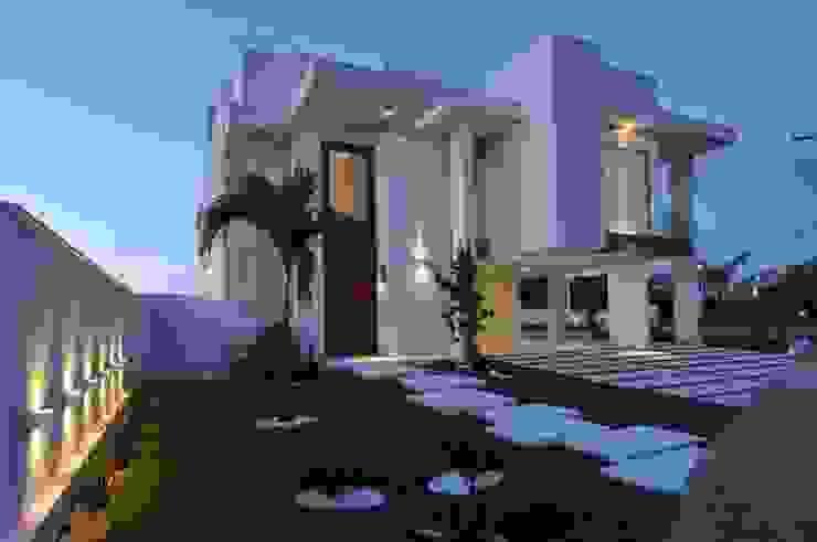 Modern houses by Espaço Cypriana Pinheiro Modern