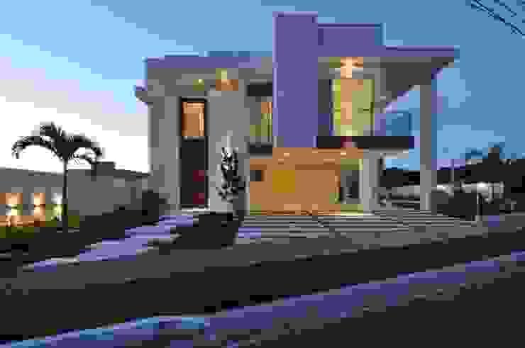Moderne Häuser von Espaço Cypriana Pinheiro Modern