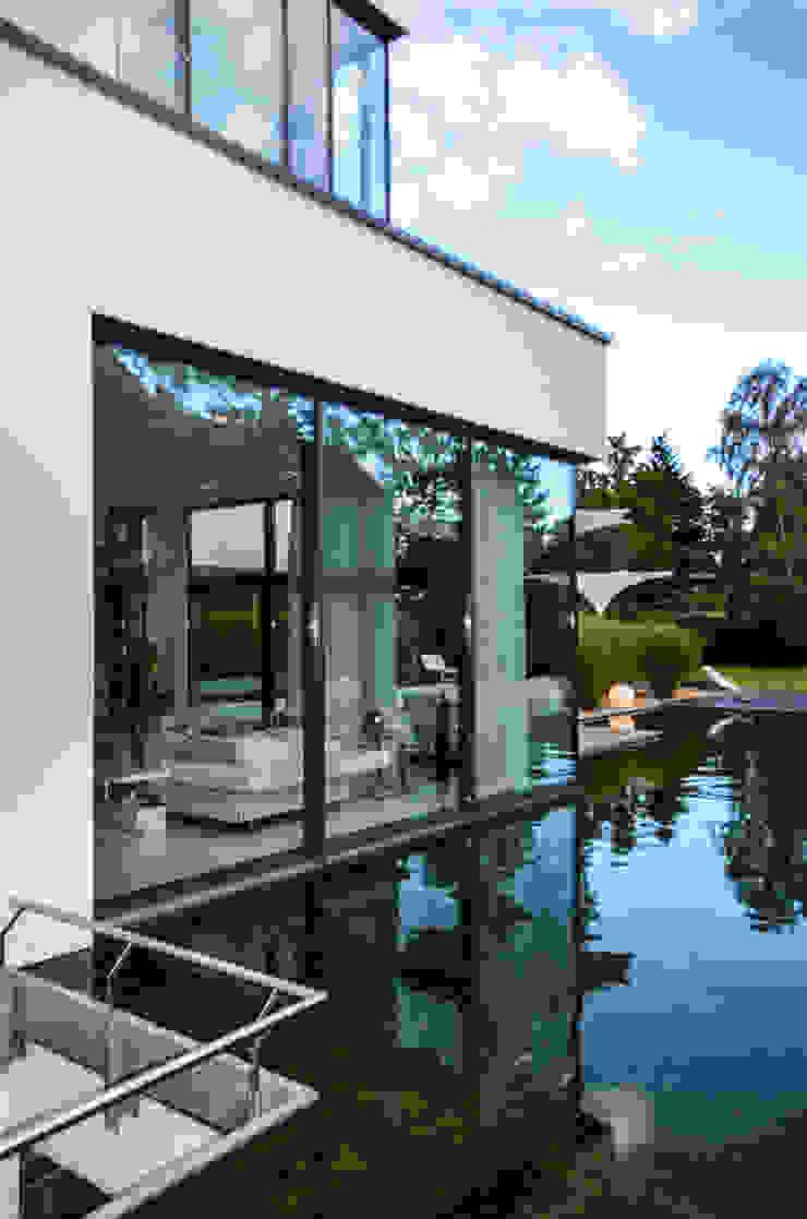 gartenhaus @gart zwei – München Moderne Häuser von design@garten - Alfred Hart - Design Gartenhaus und Balkonschraenke aus Augsburg Modern