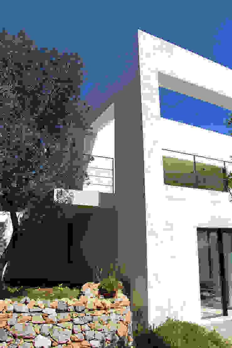 Villa Flo Case moderne di Antonio D'aprile Architetto Moderno