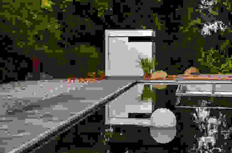 gartenhaus @gart zwei – München Moderne Garagen & Schuppen von design@garten - Alfred Hart - Design Gartenhaus und Balkonschraenke aus Augsburg Modern Holz-Kunststoff-Verbund