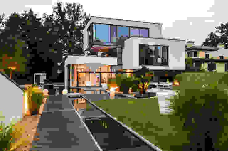 gartenhaus @gart zwei – München Minimalistischer Garten von design@garten - Alfred Hart - Design Gartenhaus und Balkonschraenke aus Augsburg Minimalistisch Holz-Kunststoff-Verbund